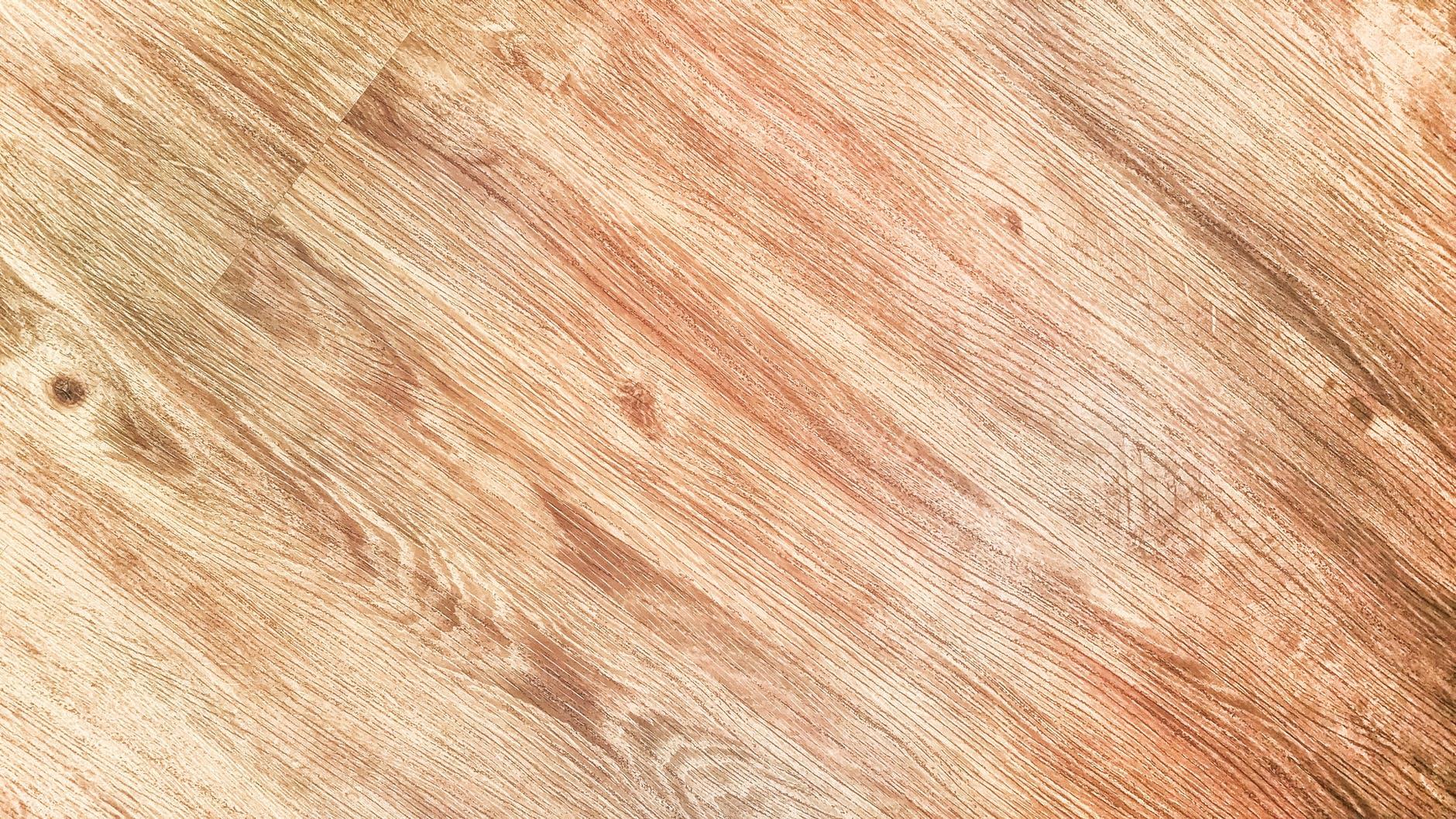 Strojní oprava dřevěných podlah